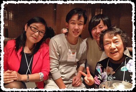 石川モンゴル親善協会主催の忘年会。モンゴルの仲間と一緒に記念写真!